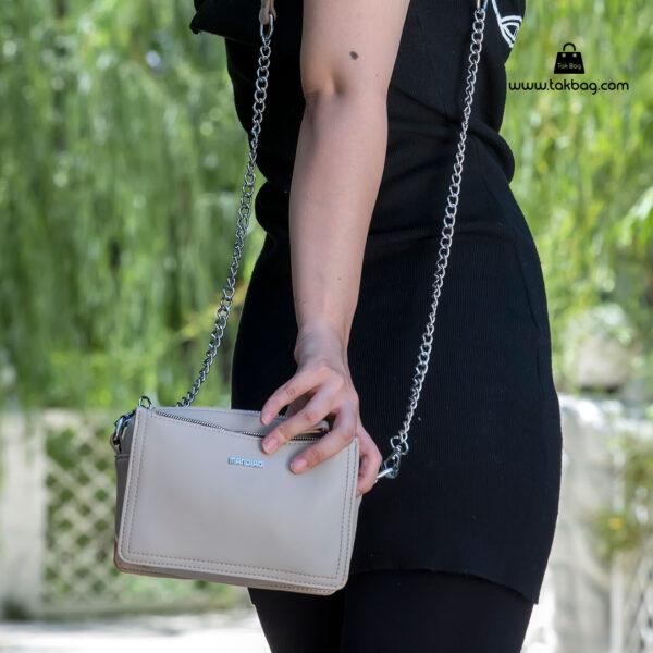 کیف رودوشی زنانه کد RM-2210 برند ماندیرو رنگ طوسی مدل ( mandiro RM-2210 )