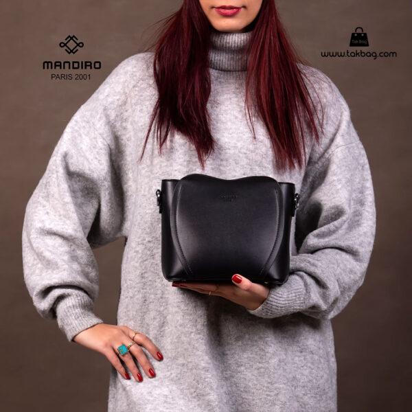 کیف رودوشی زنانه کد RM-2226 برند ماندیرو رنگ مشکی با مدل ( mandiro RM-2226 )
