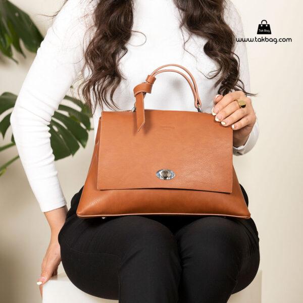 کیف رودوشی زنانه کد RM-2236 برند ماندیرو رنگ قهوه ای با مدل( mandiro RM-2236 )